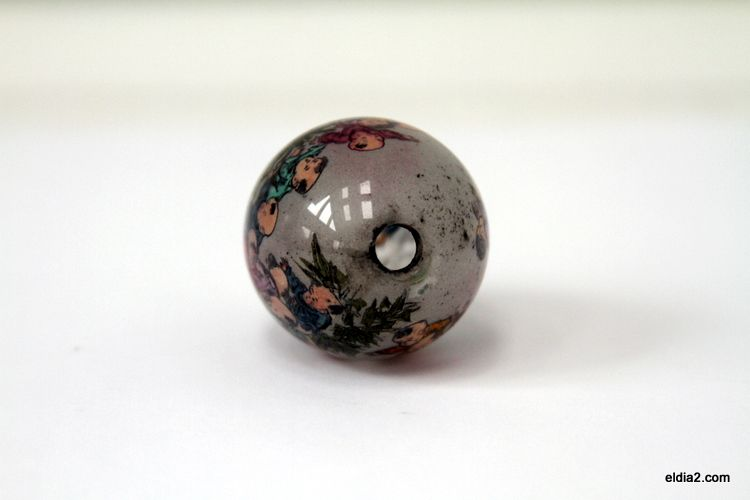Antique Chinese Reverse Painted Glass Egg Snuff Bottle